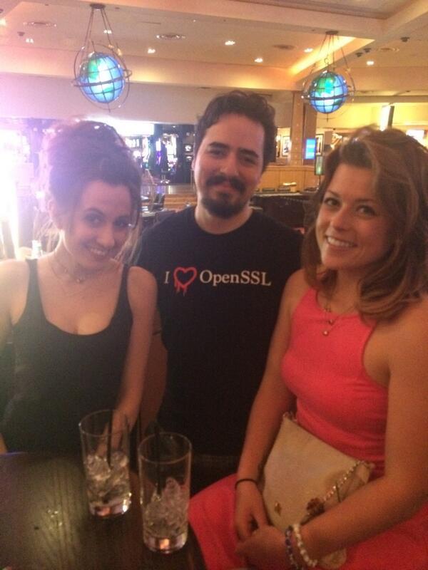 rbonifacino: Geeking out at #MagentoImagine @ShiDubz @allanmacgregor @linzEbee cc @igorbekker http://t.co/fHzDEkdewN