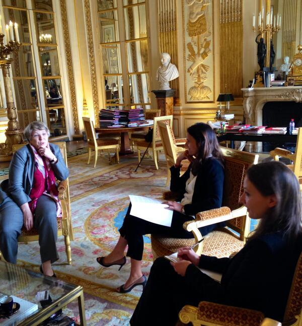 Thumbnail for Remise à Aurélie Filippetti du rapport de Mireille Imbert-Quaretta (MIQ)