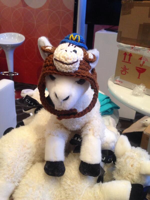 classyllama: The folks at @MailChimp just gave us the greatest gift ever. #magentoimagine http://t.co/Ob0u3HJjaZ