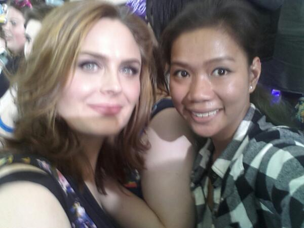 Me and @emilydeschanel.  OMGGG!! She recognized me!!! #FOXfanfront http://t.co/i4OmuLnqr1
