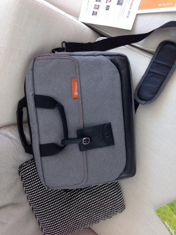 """drlrdsen: Awsum conference bag at #magentoimagine! Even my 15"""" MBP fits in it! http://t.co/7zt3uJiDx7"""