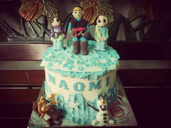 Zhi Alatas On Twitter At Parentingina Kue Ultah Naomi Frozen