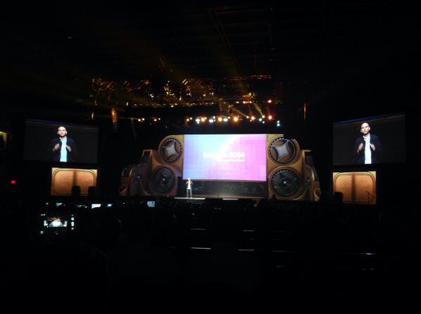 inchoo: +2800 certified #Magento developers in the world! @royrubin05 at #MagentoImagine http://t.co/MqIdXLr3wN
