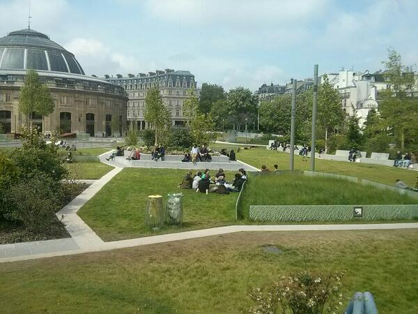 Romain gaillard on twitter la prairie du jardin nelson mandela pousse halles 75001 cc for Jardin romain
