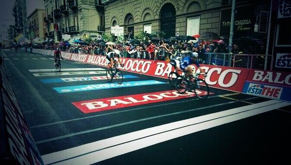 Foto arrivo 4a tappa del Giro d'Italia 2014