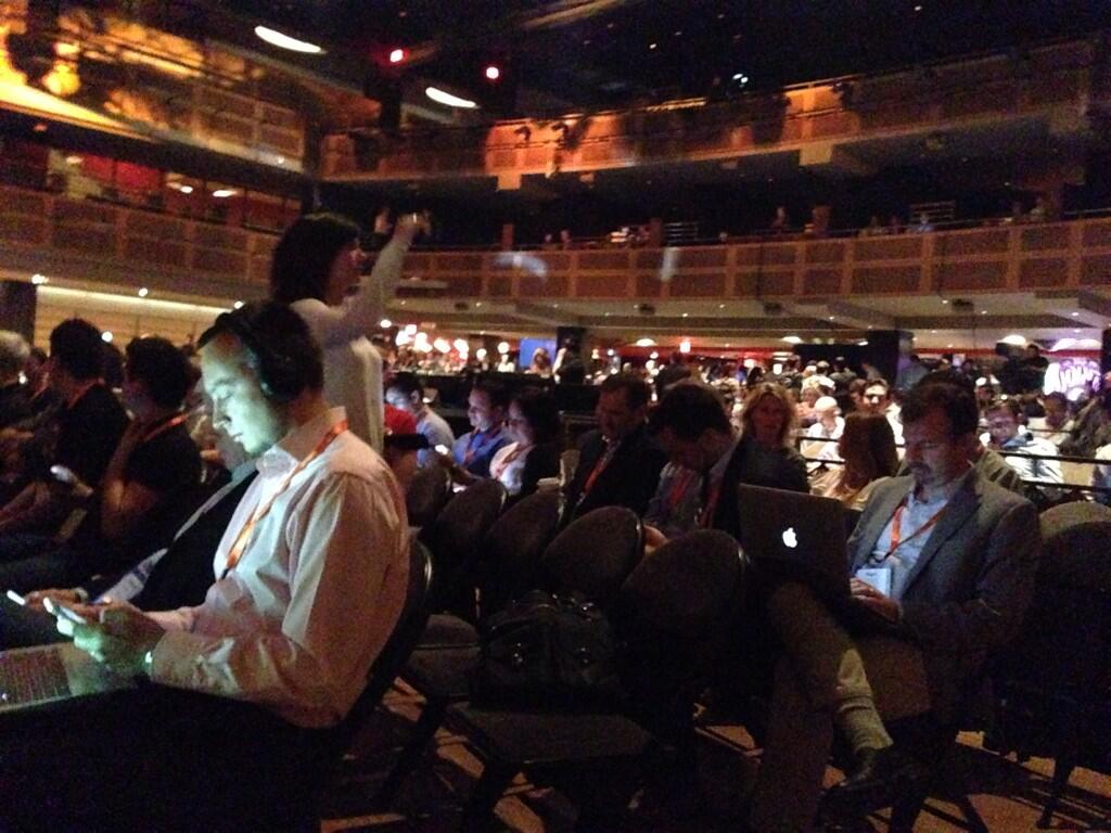 phoenix_medien: The keynote of @royrubin05 is just going to start. Hall is full with people #MagentoImagine http://t.co/YlsZzpdoTS
