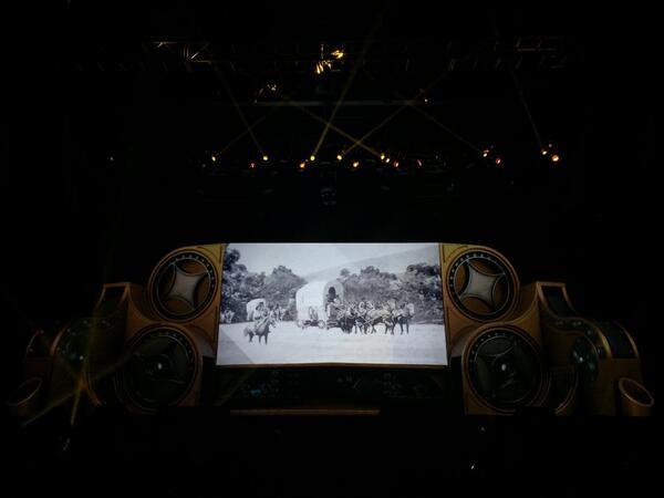 blackbooker: And a movie screen! #magentoimagine http://t.co/oWxHzVmsTX