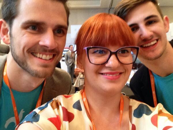 inchoo: Inchoo meets @classyllama selfie at #MagentoImagine http://t.co/bLQkMjJGzp