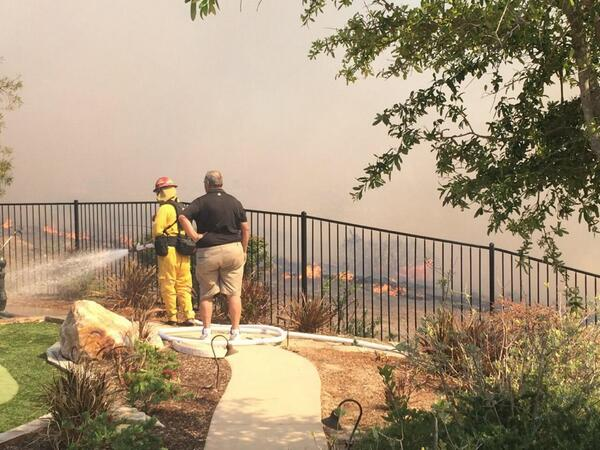 Thanks to the fast actions of my dad and fire fighters my parents house was just spared! #bernardofire http://t.co/SHyuAPiqQW