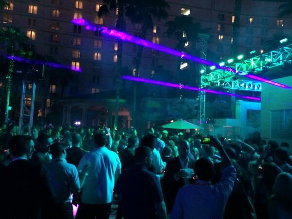 pinofilice: Magento Legendary party...hand fun!!! #MagentoImagine http://t.co/iK0nkDl1uj