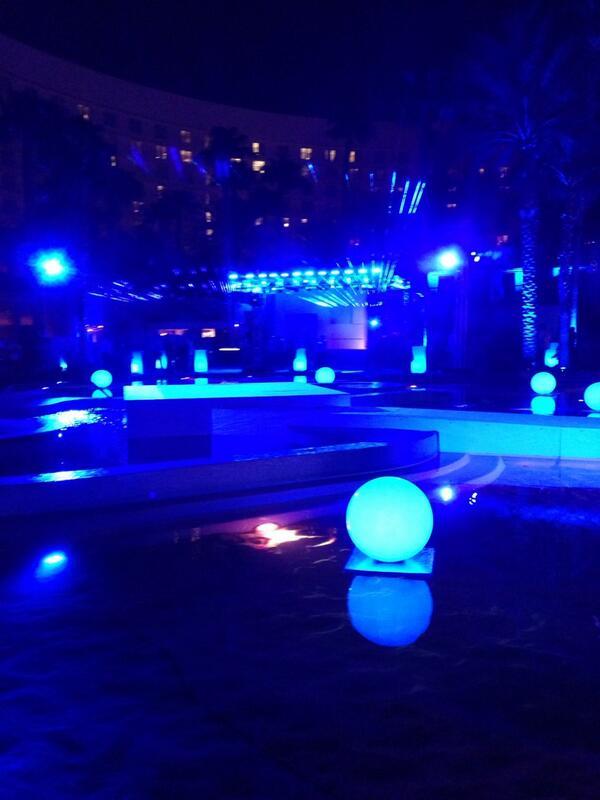 JoshuaSWarren: Let the Legendary party begin! #MagentoImagine http://t.co/vHGoGaKKBB