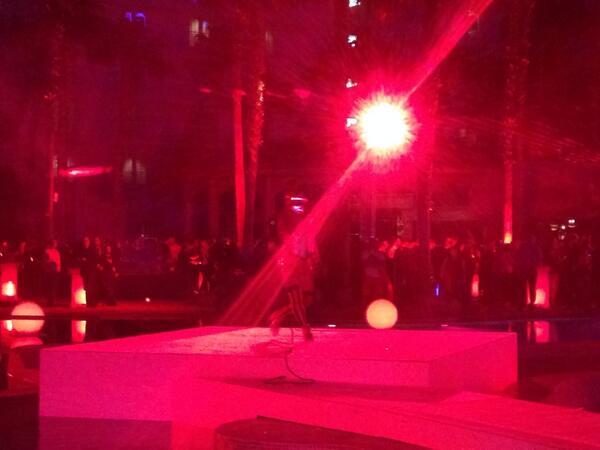 monocat: Am I seeing Mortal Kombat shindig going on? #MagentoImagine http://t.co/NEBBXkHStX