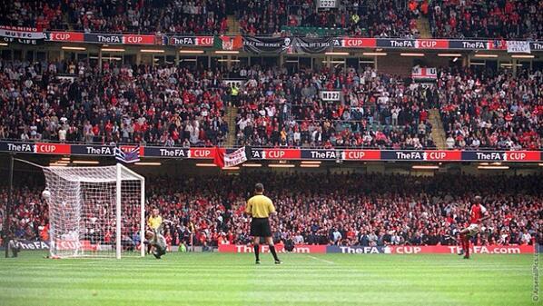 Image result for Vieira Man United 2005
