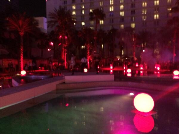 evangeline518: Nobody can say #MagentoImagine can't throw a party @HardRockHotelLV http://t.co/ylLBJFKPIc