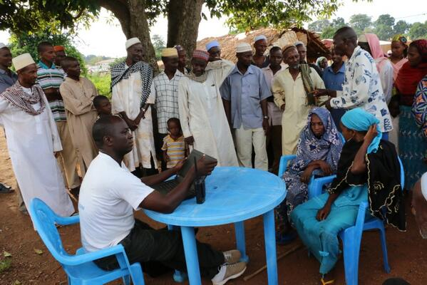 #CAR IOM and @WFP worked in Boda last week to update the food distribution list and get more people registered on it: http://t.co/aUvlvPvyoo