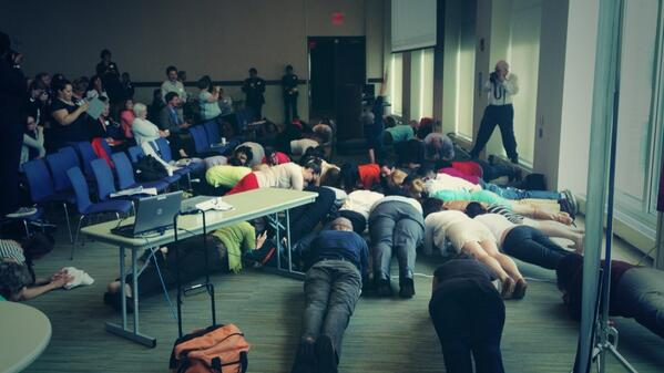"""@umbsocial: We go hard at #umbsocial!  #plankaday http://t.co/ALgmqd03na"" 1st time I've planked at a conference."