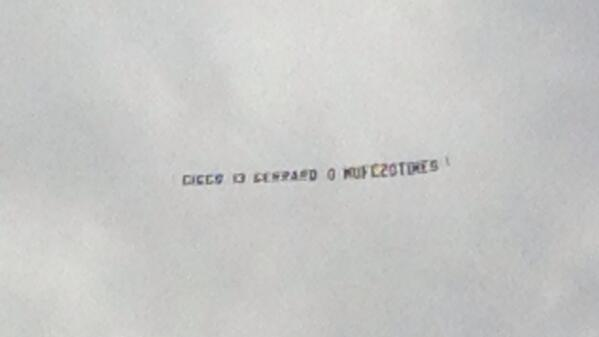 Man United fans fly plane banner over Liverpool friendly at Shamrock: Giggs 13   Gerrard 0