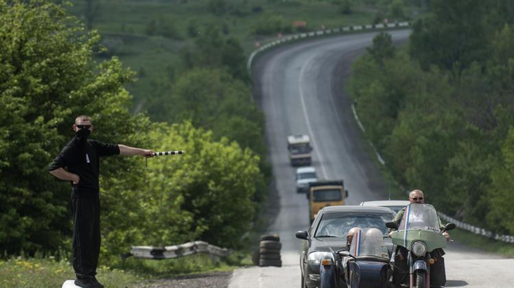 Ситуация в Славянске накалена. В разных точках города постоянно слышны перестрелки, - ДонОГА - Цензор.НЕТ 9929