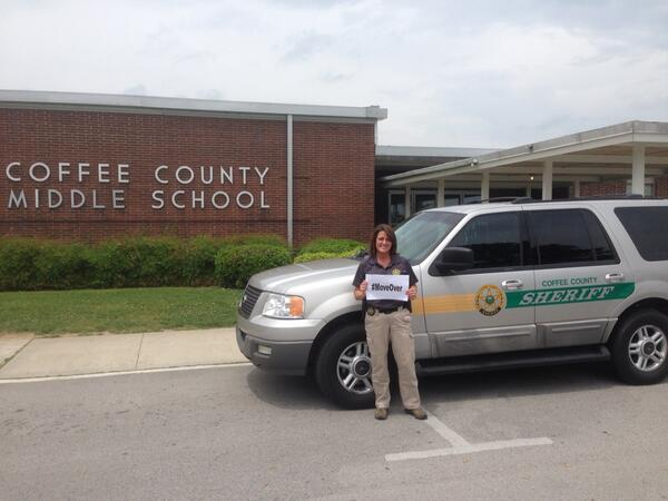 Coffee County SRO Nettles is keeping students safe at CCMS- keep her safe and #MoveOver @THP_Colonel http://t.co/1hTr84qIBD