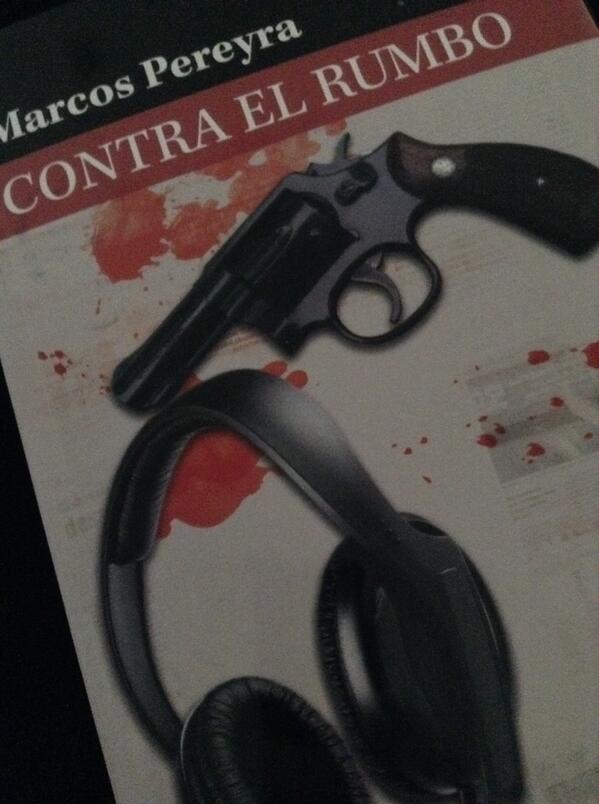 El maese @Nippur a.k.a Marcos Pereyra me envió su última novela que salió para romperla. Gracias, capo!!! http://t.co/HAzpNGBTbq