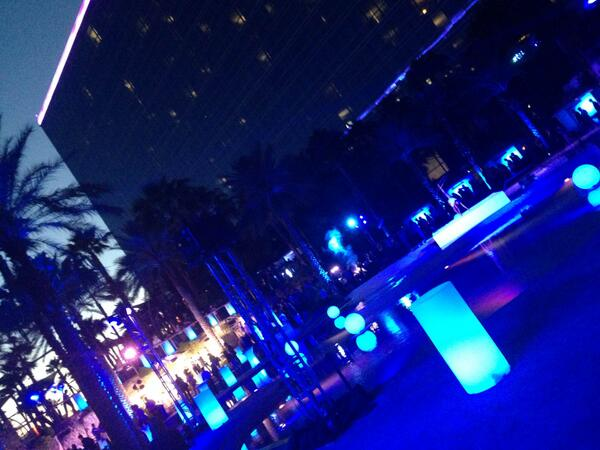 tjittef: @mediact A pool party in Las Vegas at #magentoimagine? I don't know what you mean, it's all business here  :-) http://t.co/T15V97MNkI