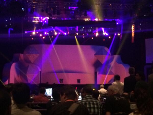 ShipperHQ: Waiting for the final keynote of #MagentoImagine. The ladders are a portent of something amazing, I'm sure! http://t.co/RhypzFWft4