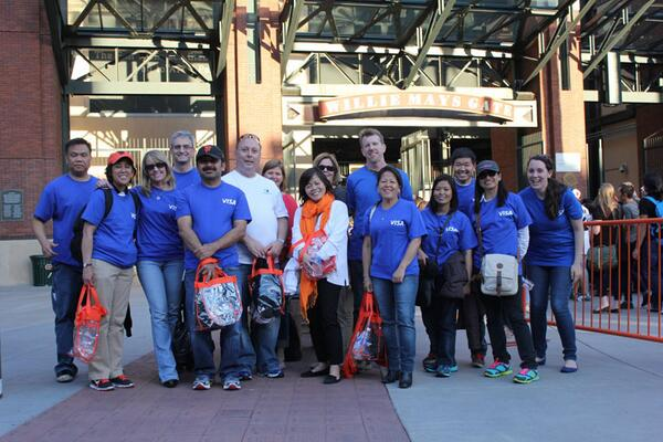 Thanks to our @Visa volunteers & the @SFGiants fans who donated more than 2,000 lbs of food at the game last night! http://t.co/5JVKV1VVSZ