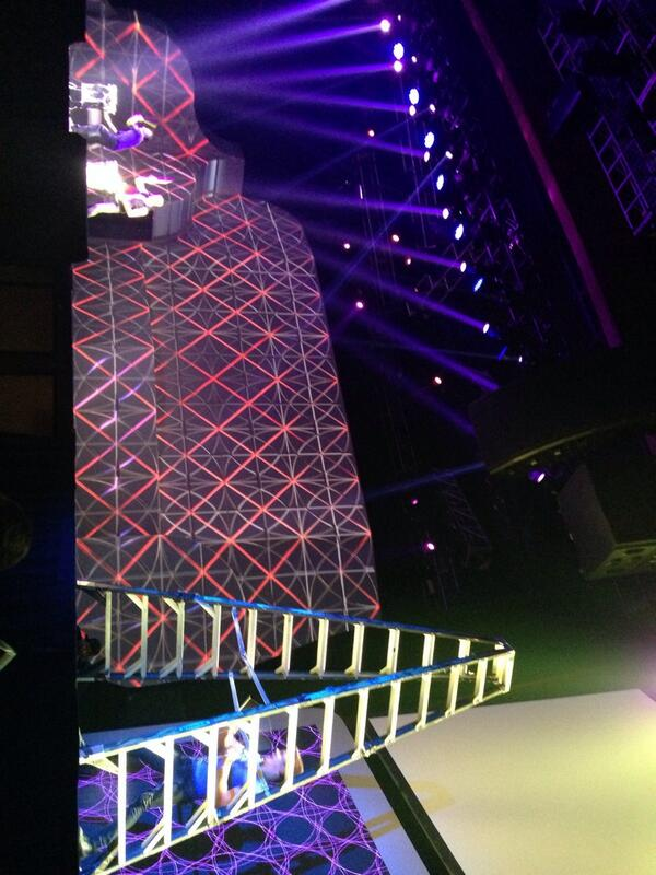 gsautereau: Using a ladder as a xylophone: genius! #MagentoImagine #transform #anything #into #anything #else http://t.co/mwqSsV8QAM