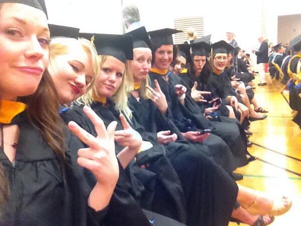 ComLead grads keepin it fresh @kemcauley @mrad1025 @gracedoc @emmmy_b @katergrace http://t.co/r5y5RpoO2R