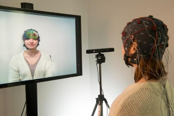 Thumbnail for Brain Mirror : visualiser sa propre activité cérébrale dans un mirroir