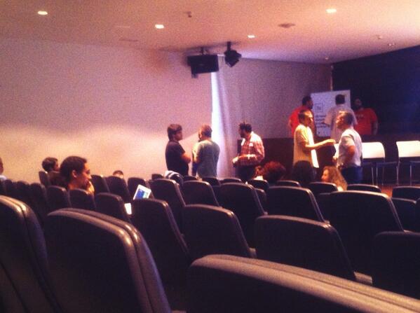 """En el encuentro """"Abre tu aula"""" organizado por @CEPIndalo y @HackLabAl #aTa http://t.co/QRAkfnDoUY"""