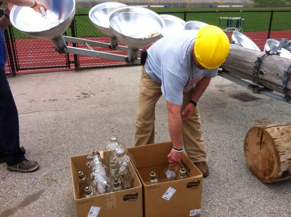 Brian Mower, #Pottstown High School Class of 1992, sets the halite bulbs in a box. #grigglites @MercuryX http://t.co/3MUtTHOOPE