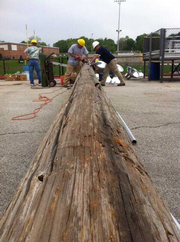 The PVC tubing which held the wiring for #grigglites is cut. @MercuryX http://t.co/glDmHr48DP