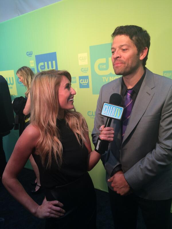 Who wanted to see @mishacollins?! Our host got to chat with him! Stay tuned for the interview, but here's the teaser! http://t.co/Yd6iPrC9Ow