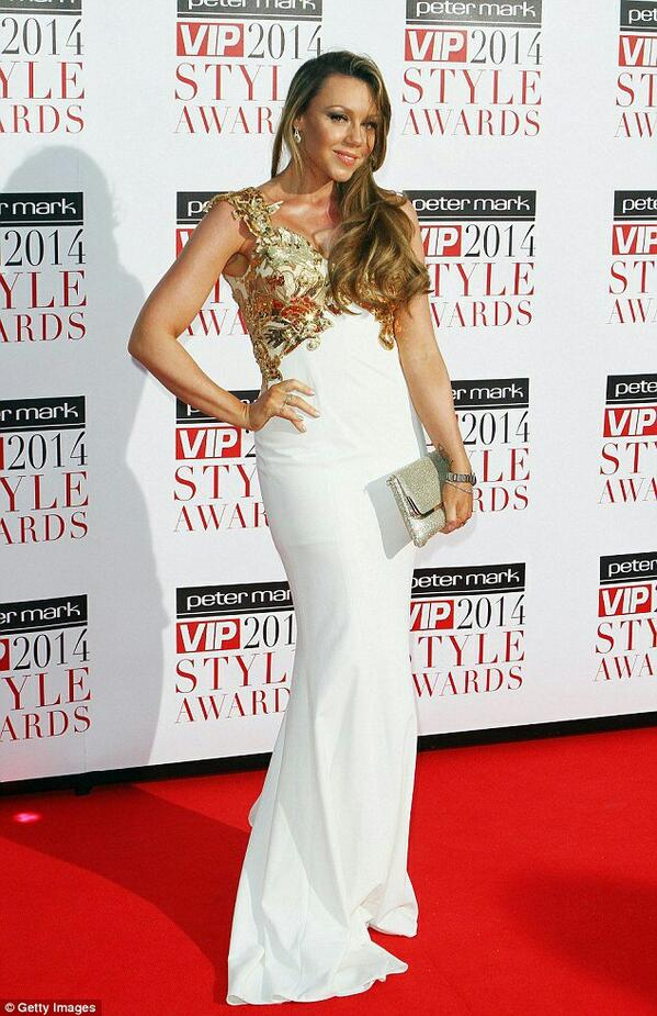 So we have a new twitter #competiton to win dress as worn by @wonderwomanshel  RT to enter one random winner at 8000 http://t.co/tGXGnC7sJd