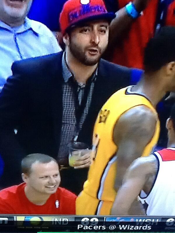 If you're a dude drinking a fuzzy navel at an #nba game you should sit down and stay quiet. http://t.co/ECvdnmKbJK