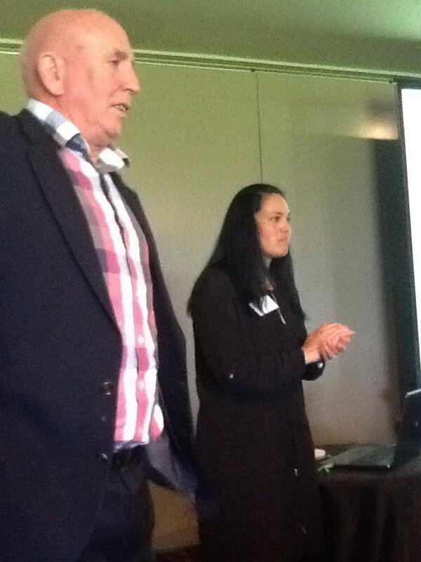 Peter and Moana telling the punters what's what about 3 way conferences. #communicatinglearning @COMETAuckland http://t.co/uD9kZyE5WM