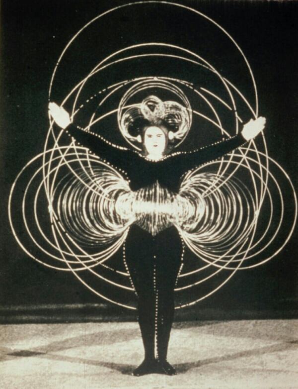 「トリアディックバレエ」の画像検索結果