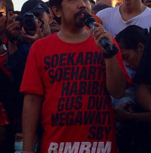 Ketua Slankers Makasar with his statement Tshirt!  http://t.co/JDhrjBDaGI