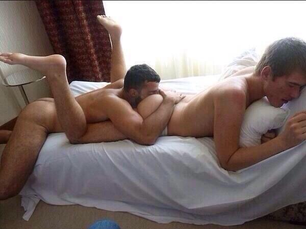 porno escort gay foto maschi nudi gay