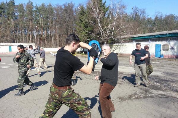 """Террористы разгромили еще два окружкома на Луганщине: """"В 5 утра в дом вломились вооруженные люди, пытали жену"""", - глава ОИК - Цензор.НЕТ 5959"""