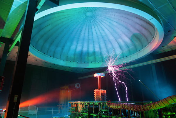 Headlining De Nacht van Kunst & Wetenschap on May 24. Featuring... a Tesla coil!   Say what? (@GrandTheatreGro) http://t.co/9hFcKaHiu1