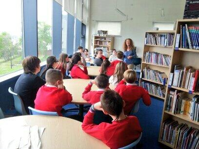 Storyteller, Alison, is teaching our Newark Primary pupils all about Anansi folk tales for their #DigCW2014 projects! http://t.co/IcKlC0gp5b