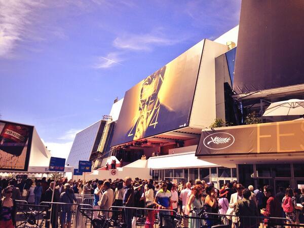 Dragons 2 au festival de Cannes 2014 - Page 2 BnvwLf5IEAASt_x
