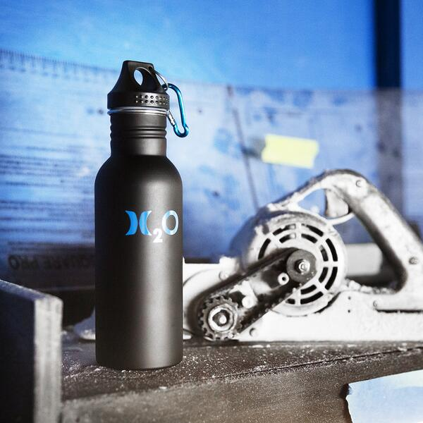 Stay hydrated in and out of the shaping bay with an H2O reusable water-bottle, available here: http://t.co/QktzJ3pS38 http://t.co/AAv4ux2Faq