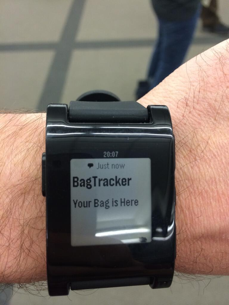 Twitter / greencoder: Crowd around the baggage claim? ...