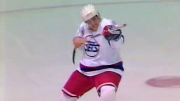 21 years after his rookie season with the #Winnipeg Jets, Teemu Selanne plays his last game tonight. http://t.co/30uplrFRKA