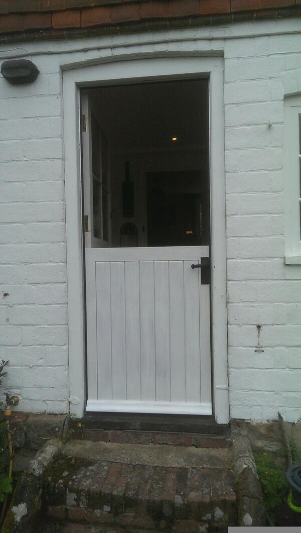 Bespoke Stable Door made and fitted last week... DM for free survey and quotations...#bespoke #joinery #handmadepic.twitter.com/4aJEZqL34K & MDS CarpentryJoinery (@Fitted_In) | Twitter
