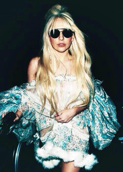 Cmon monsters! KingLadyGaga: Newest update:  Britney Spears - 590K Lady Gaga - 528K Katy Perry - 360K  #heatLadyGaga http://t.co/vN0LE1yk7t""