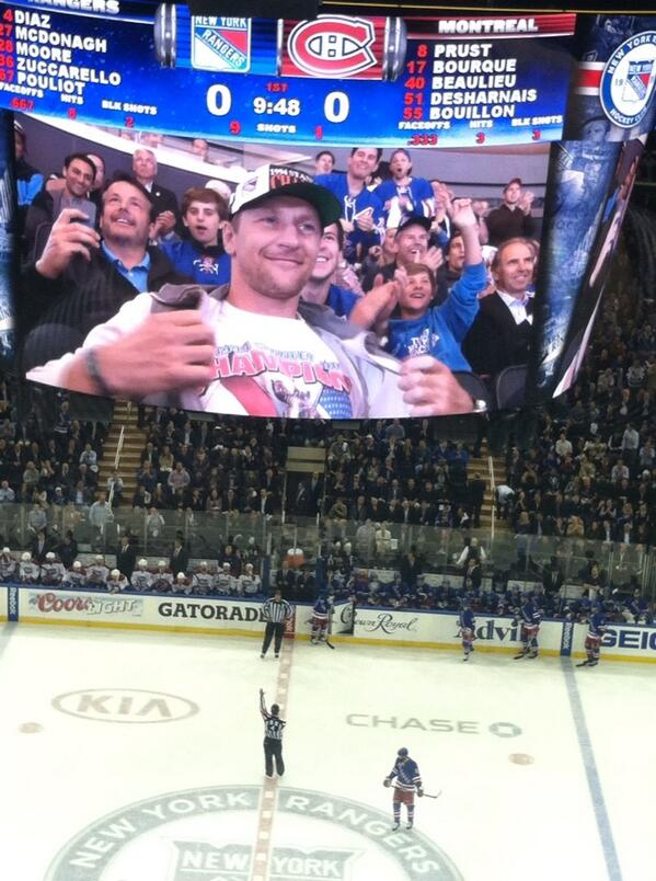 Alex Kovalev at MSG for Rangers-Canadiens. http://t.co/LVAeninDuu